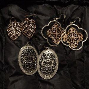 Gorgeous filigree earrings in silver/rosetone